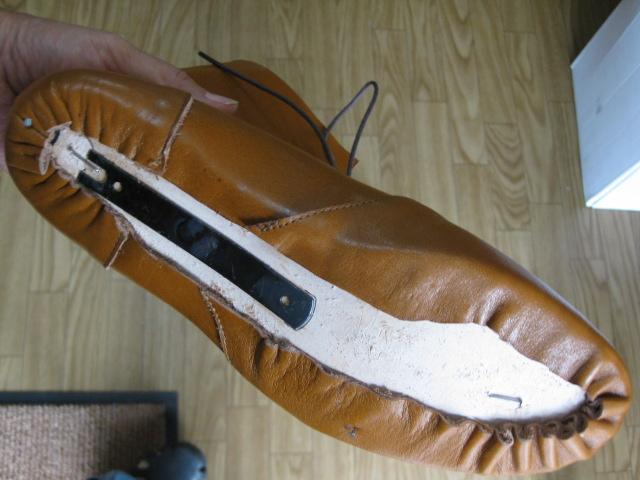 靴の底はこんな感じに釣り込んでいます。