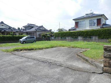 鹿児島市本名町【売地】平坦地南向角66坪即建築可300万円